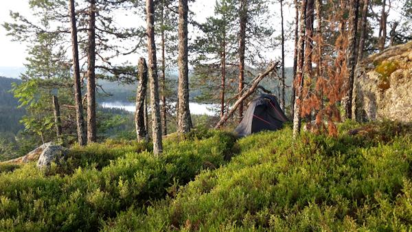 Björnberget med itt lilla tält till höger i bild